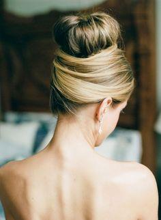 updo wedding hairstyle idea; photo: Dana Fernandez Photography