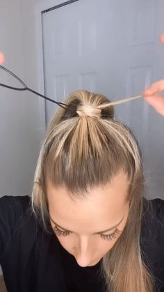 Hair Up Styles, Aesthetic Hair, Hair Videos, Long Hair Video, Messy Hairstyles, Balayage Hair, Hair Hacks, Hair Inspiration, Hair Makeup