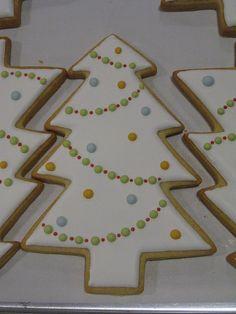 Flocked Christmas Tree by jeffmgosche, via Flickr