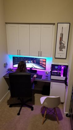 Where the fiancee and I play destiny together : battlestations - Gamer House Ideas 2019 - 2020 Computer Gaming Room, Computer Desk Setup, Gaming Tower Desk, Gaming Rooms, Computer Technology, Best Gaming Setup, Gaming Room Setup, Video Game Rooms, Gamer Room