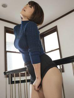 【画像あり】巨乳でニットの女ってどうしてこんなエロイんだよ・・・