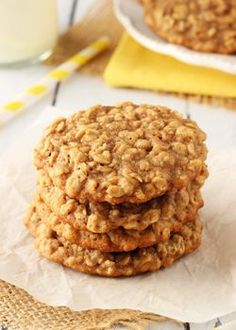 Moist and Chewy Banana Oatmeal Cookies - Life Love and Sugar| Posted by: DebbieNet.com