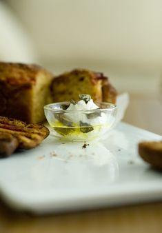 http://www.pecetedennotlar.com/ev-yapimi-sarimsakli-labne-peynir