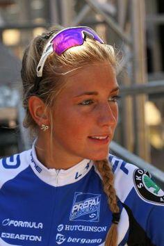 Pauline Ferrand-Prévot 2014 Women Road Race World Champion. Road Bike Women, Bicycle Women, Bicycle Girl, Women's Cycling, Cycling Girls, Triathlon, Velo Biking, Cycling Sunglasses, Beautiful Athletes