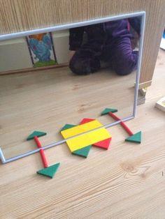 25 Montessori ideas - Preschool - Aluno On Symmetry Activities, Visual Perception Activities, Science Activities For Kids, Preschool Education, Preschool Math, Infant Activities, Learning Activities, Kids Learning, Montessori Activities