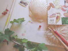 drawings by Mari Mochizuki, August 2014/スタジオから:季節の便り 2014年8月 絵本「ママがおこるとかなしいの」挿絵 素描(部分)と、絵日記「麻里の美味しいノート・ローマ」の絵葉書を用いた構成 #望月麻里 mochizukimari.com