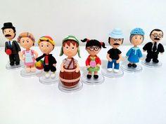 Turma do Chaves em Biscuit.  Valor referente aos 8 personagens.