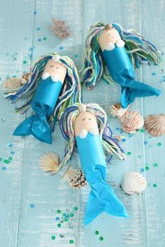 We're celebrating a mermaid birthday, Crafts on children's birthday parties - this is always a good idea to keep the little guests busy. We really like this idea. Summer Crafts, Diy And Crafts, Crafts For Kids, Arts And Crafts, Paper Crafts, Stick Crafts, Canvas Crafts, Resin Crafts, Jewelry Crafts