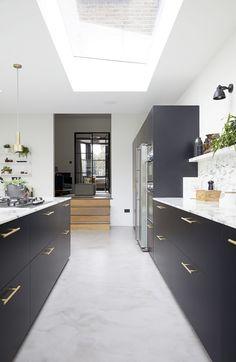 Open Plan Kitchen Living Room, Home Decor Kitchen, Interior Design Kitchen, Home Kitchens, Küchen Design, House Design, Cafe Design, Victorian House Interiors, Kitchen Diner Extension