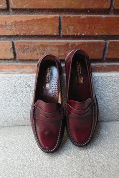 Los Zapatos también son moda.  LA MEJOR CALIDAD PARA EL OCIO Y LA OFICINA NUESTROS CASTELLANOS  https://eeexclusive.com/blog/15_La-mejor-calidad-para-el-ocio-y-la-oficina-nu.html