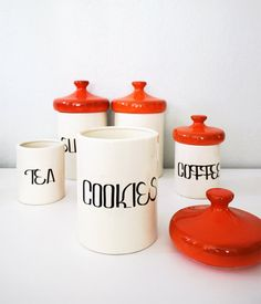Kitchen Jars >> I love these, this set would be perfect in my kitchen!