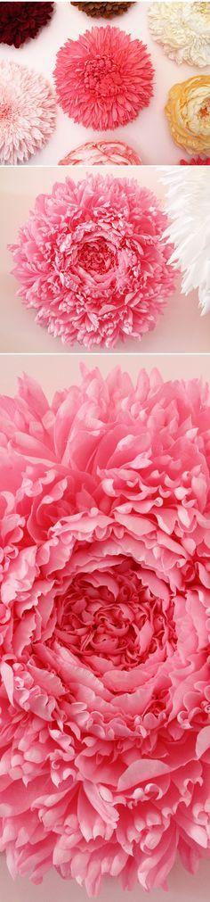 tiffanie turner's GIANT paper flowers Giant Paper Flowers, Faux Flowers, Diy Flowers, Fabric Flowers, Diy Paper, Paper Art, Paper Crafts, Diy Fleur Papier, Origami