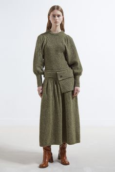 See all the Joseph Pre-Fall/Winter photos on Vogue. Knit Fashion, Fashion Week, Fashion 2017, Winter Fashion, Fashion Show, Womens Fashion, Fashion Design, Fashion Trends, Christmas Fashion