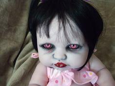 Gravenbabies Custom Horror Doll's: Oh hell naw! Halloween Doll, Creepy Halloween, Halloween Projects, Diy Halloween Decorations, Halloween 2020, Scary Baby Dolls, Creepy Dolls, Creepy Cute, Creepy Faces
