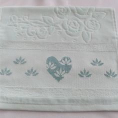 This Pin was discovered by Ruk Cross Stitch Heart, Cross Stitch Borders, Cross Stitch Flowers, Cross Stitch Patterns, Bordados E Cia, Detail Shop, Stitch 2, Crewel Embroidery, Bargello