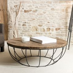 If you are looking for an industrial style for your living room, succumb to this round table metal and wood of high quality – Coffe Table, Home Decor Furniture, Coffee Table Design, Round Wood Coffee Table, Metal Decor, Living Room Table Sets, Table, Metal Furniture, Coffee Table