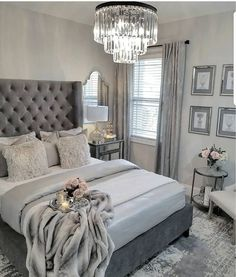 ¿Es gris un buen color para pintar un dormitorio? Bedroom ¿Es gris un buen color para pintar un dormitorio? Glam Bedroom, Stylish Bedroom, Home Decor Bedroom, Grey Home Decor, Gray Bedroom Furniture, Chic Bedroom Ideas, Classy Bedroom Decor, Gray Decor, Bedroom Suites
