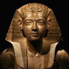 Resultado de imagem para mumia tutankamon