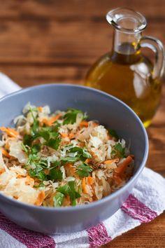 Ensalada de chucrut y zanahoria con aceite de sesamo