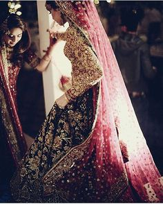 Perfection  Sana Ansari in @nomiansari ✨ via @mehlum.sadriwala #pakistanibride #pakistanibridal #asianbridal #desibridal #lehengacholi #pakistanistyle #desistyle #asianstyle #weddingfashion #bridalfashion #dupatta #pakistaniphotographers #nomiansari #weddingdresses #traditionalbride #bridalgown #embroidery #asianclothes #desi #styleblogger #realbrides