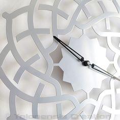 http://www.delorentis.fr/horloge-orientale-arabesque-argent-60-cm.html