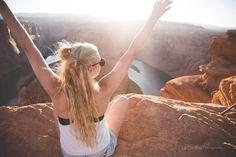 Portrait horseshoes bend #portrait #horseshoesbend #horseshoes #arizona #page #women #blondhair #trip #usa #travel #bloguer #fashion #canyon #sunset #goodvibe #traveler #photographie Horseshoes, Usa Travel, Good Vibes, Blonde Hair, Arizona, Sunset, Portrait, Women, Fashion