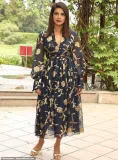 Priyanka Chopra stunned in a stylish Oscar de la Renta gown on Tuesday as part of her promotional tour for her latest movie, The Sky Is Pink, in Delhi, India. Priyanka Chopra, Shraddha Kapoor, Ranbir Kapoor, Deepika Padukone, Carolina Herrera, Green And Gold Dress, Western Dresses, Indian Celebrities, Future Fashion