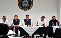 El titular de la SSP, Juan Bernardo Corona, se reunió con aguacateros para delinear una estrategia de seguridad que permita inhibir delitos que pongan en riesgo el desarrollo económico del ...