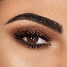 Rote Lippen, braune Augen, tolles Make-up. Rote Lippen, braune Augen, tolles Make-up & Eye Makeup Tips, Makeup Inspo, Eyeshadow Makeup, Makeup Ideas, Eyeshadows, Blush Makeup, Eyebrow Makeup, Eye Makeup Designs, Smokey Eyeshadow