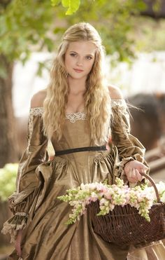 Photo of Gabriella Wilde - Constance for fans of Gabriella Wilde. Gabriella Wilde - Constance in The Three Musketeers 2011 Gabriella Wilde, Medieval Girl, Medieval Dress, Medieval Peasant, Medieval Princess, The Three Musketeers 2011, Renaissance Hairstyles, Lady In Waiting, Moda Vintage