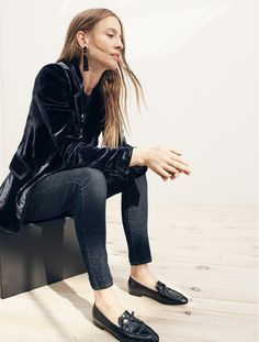 LOOKS WE LOVE DENIM + VELVET EDITION We knew you two would get along. Here are some easy tips on putting it all together.