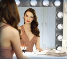 Stay beautiful and refreshed with a custom hollywood vanity mirror. With perfect lighting, doing your hair and makeup will never be the same. Diy Makeup Area, Makeup Rooms, Beauty Makeup, Hair Makeup, Hair Beauty, Hollywood Vanity Mirror, Up Styles, Hair Styles, Custom Vanity