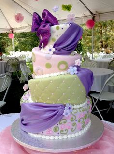 Topsy fun — Whimsical / Topsy-Turvy Cakes