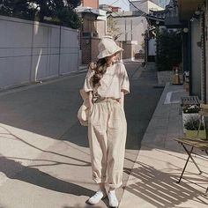 christmas date outfit Korean Fashion Trends, Korean Street Fashion, Korea Fashion, Asian Fashion, Look Fashion, Girl Fashion, Womens Fashion, Ulzzang Fashion, Hijab Fashion