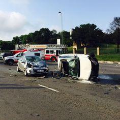 Top Billing Presenter Simba Mhere killed in car crash on William Nicol in Johannesburg|Arrive Alive South Africa - Photo via @Antongeyser