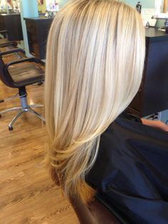 The perfect blonde. Try Aloxxi hair color the next time you want to go blonde. Love Hair, Great Hair, Gorgeous Hair, Beautiful, Hair Color Highlights, Platinum Blonde Highlights, Light Highlights, Hair Color And Cut, Hair Day