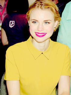 Lucy Fry in New York Comic Con, Meet and Greet (October 2013)