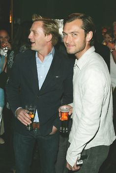 Daniel Craig & Jude Law. What a perfect picture.