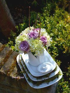 Vintage servies restylen... Maak er eens een centerpiece van! #Bloemen #Servies |OrcaCool