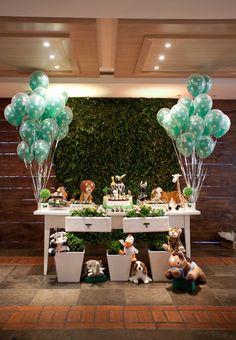 jungle decorations... LA PARED DE PLANTAS!!!!!!!