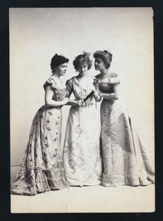 Just look at that expression on Isabel Irving  (center).  via the NLPL Digital Gallery