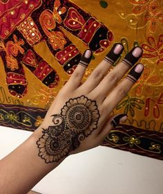 50+ Inspirational designs - How long do Henna Tattoos Last Check more at http://tattoo-journal.com/25-beautiful-henna-tattoo-patterns-for-inspiration/