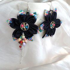 Náušnice: Maľovaný kvet čierno-farebný