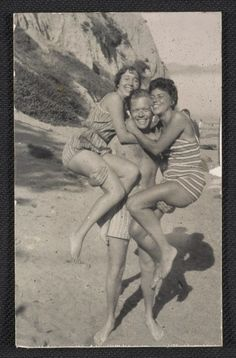 Citation: Joan Brown, William Brown, and Jay DeFeo at Bolinas Beach, between 1957 and 1960 / unidentified photographer. Jay DeFeo papers, Archives of American Art, Smithsonian Institution.