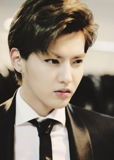 Kris Wu Yifan 吴亦凡 ♥ No one messes with my family, ever. ( Exo, my family, I have to leave now, but remember WE ARE ONE)   via Tumblr