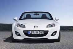 Mazda MX 5. Traction Control, Stability Control, Skidpan number is 0.90 g. rjp