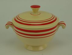 Fiesta Dinnerware breaks record at auction: ivory red stripe covered onion soup… Vintage Dishware, Vintage Pottery, Vintage Kitchen, Fiesta Kitchen, Kitchen Dishes, Kitchen Utensils, Apple Festival, Onion Soup, White Gloves