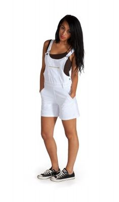 lovely white dungaree shorts - chic and summery #dungarees #dungareeshorts #shortalls