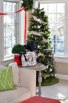 Hello friends! Welcome to the first day of the 12 Days of Christmas Tour of Homes!  I'm so glad you're here, and am excited to kick off the tour by sharing my home.  It's going to be a great twelve days of beautiful homes, so come on in, sit back and enjoy! Mother Nature knew...Read More »