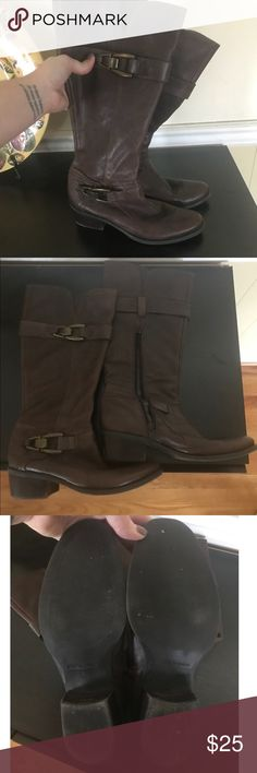 Kelly & Katie Brown Leather Jadine Boot Sz 7.5 Kelly & Katie Brown Leather Jadine Riding Boot Sz 7.5. Well-loved and in good used condition. 1.5 inch heel. Perfect with jeans, leggings, skirts or dresses. Open to offers. Kelly & Katie Shoes Heeled Boots